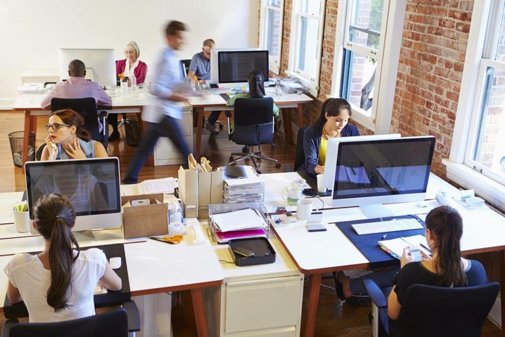 Зум-звонки или общение в офисе?
