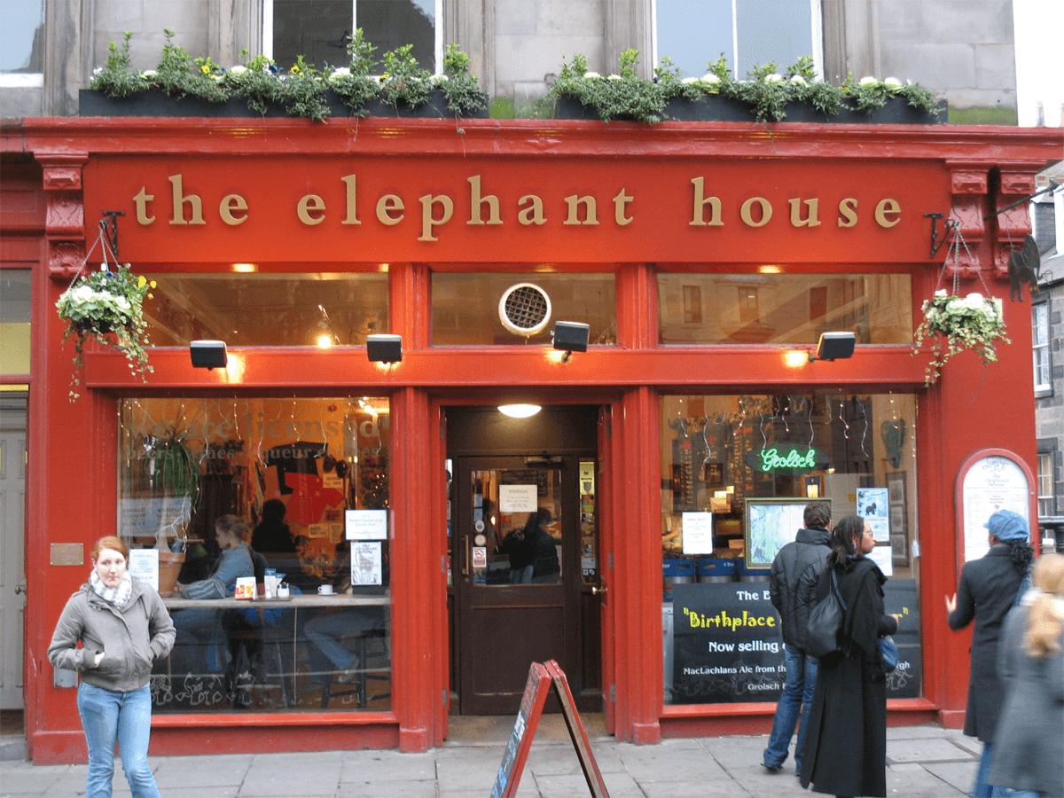The Elephant House в Эдинбурге — кафе, в котором Джоан Роулинг писала «Гарри Поттера»