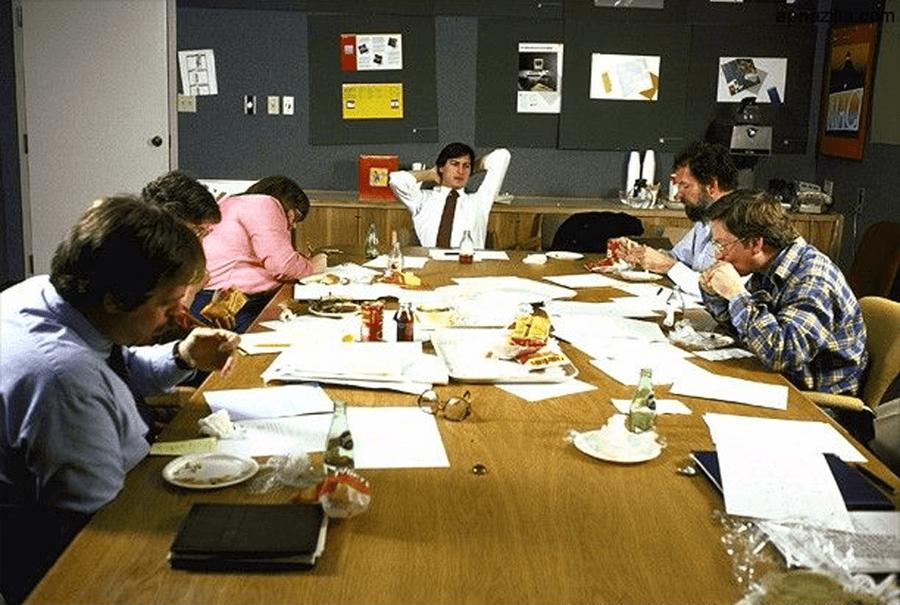 Стив Джобс и организация собраний